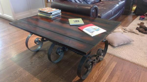 Superbe Coffee Table Rustic Spanish Style Cast Iron Legs Feet For