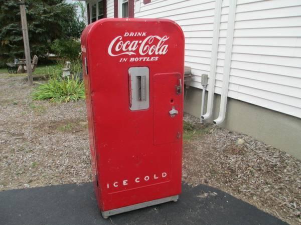 coke coca cola vending machine - for Sale in Uxbridge