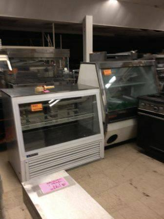 Cold food display cases  USED RESTAURANT EQUIPMENT, CINCINNATI, OH - $999