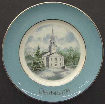 Collectable Avon Plates 25 different plates ranging from 1974 to 2002