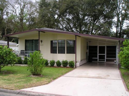 Colony hills furnished 2 bedroom 2 bath mobile 2br for sale in zephyrhills florida for 2 bedroom 2 bathroom homes for sale