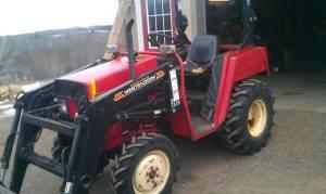 compact 4x4 tractor with loader - $5900 (duluth)