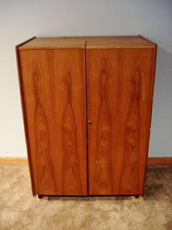 Compact Wooden Pull Out Crafting Office Cabinet 150