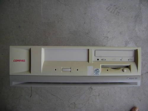 Compaq DeskPro EN Desktop Computer