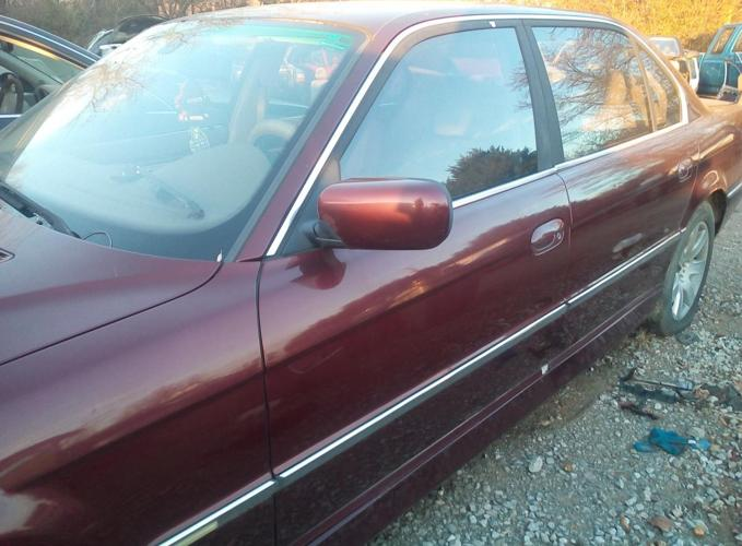 Complete 2001 BMW 740il, good motor trans needs key