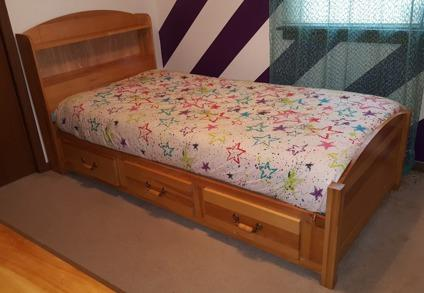 Complete Twin Bed Bedroom Set - Solid Hardwood