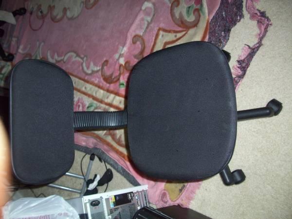 computer chair - $10