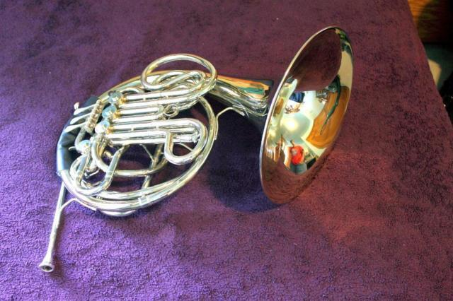 Conn 8D Double French Horn with Pro Tec Case and
