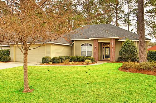 Contemporary 3 BR/2 BA, 2000 SF, Built 2005 in Gated