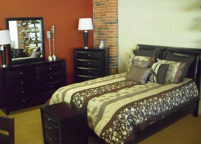 contemporary low profile bedroom set very solid