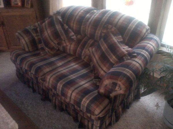 Couch and love seat set - $300 (Brockway)