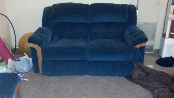 couch  love seat recliners - $800