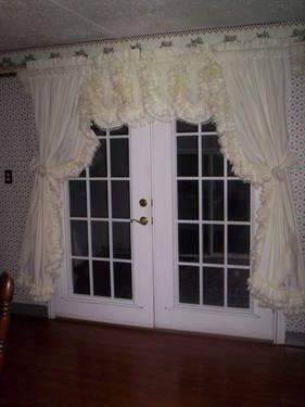 COUNTRY RUFFLED CURTAINS & VALANCES