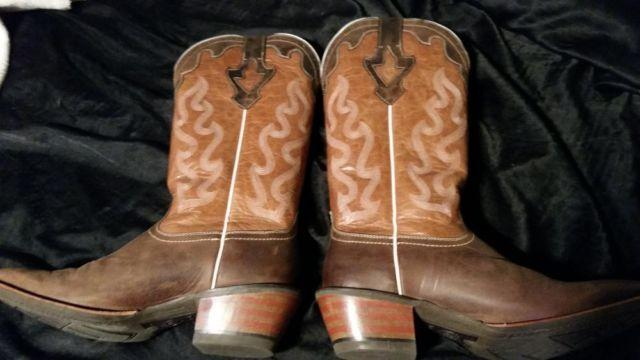 Cowgirl boots size 10B
