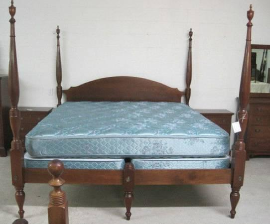 CRAFTIQUE KING SIZE POSTER BED ASHLAWN OLD WOOD FINISH for Sale in