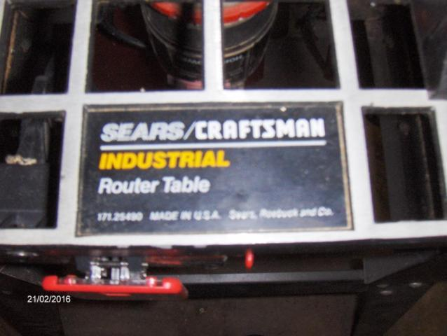 CRAFTSMAN INDUSTRIAL ROUTER TABLE WROUTER AND EXTRAS