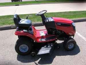 Craftsman Lawn Tractor - $960 (Swartz Creek)