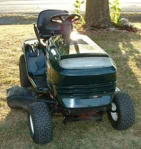 CRAFTSMAN LT1000 RIDING LAWN MOWER - $350 (MOUNT VERNON, IL )