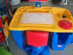 Crayola Light Up Big Kid Desk With Chair Orangeburg