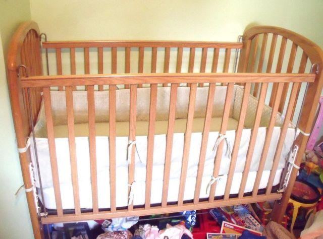 Crib Child Craft Old Style Nice Or Kingston For Sale In