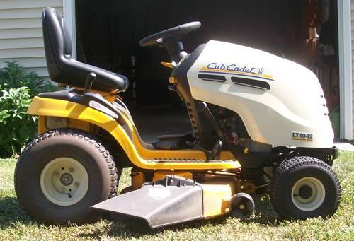 Cub Cadet Lt1042 Lawn Tractor Almost Like New For Sale In Conant Illinois Classified
