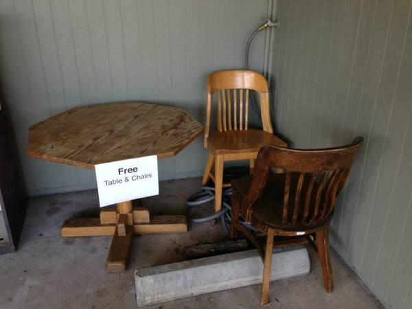 Curb Alert: Free Oak Table With Two Oak Bankers Chairs