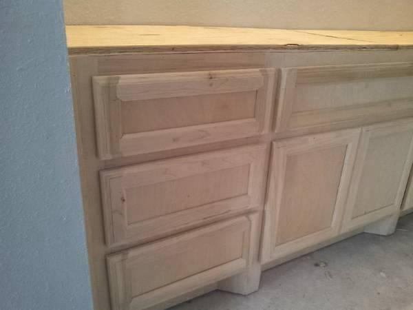 CUSTOM CABINETRY FOR AFFORADABLE PRICES !!