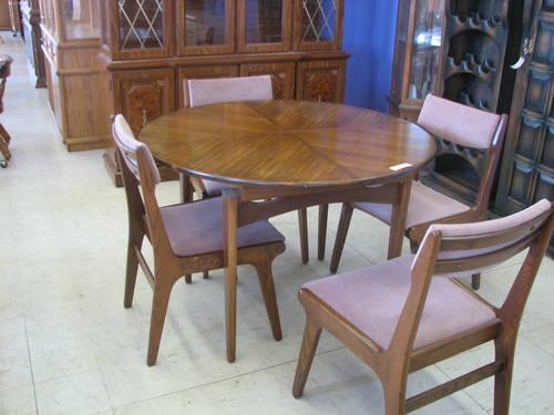 Danish Modern Round Table And 4 Chairs For Sale In Fort