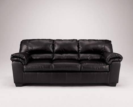 Dark Brown Leather Couch In Excellent Condition