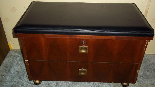 Lane Dark Oak Storage Chest With Key Lock