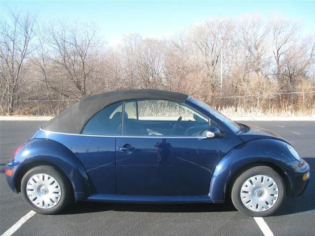 dark blue 2005 volkswagen beetle gl convertible dealer greenfield for sale in greenfield. Black Bedroom Furniture Sets. Home Design Ideas