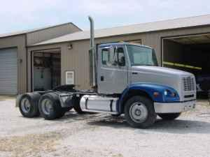 day cabs grain trucks w automatics springfield mo for sale in quincy illinois classified. Black Bedroom Furniture Sets. Home Design Ideas
