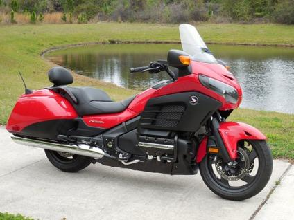 dcvbh 2013 Honda Goldwing F6B Only3k Miles Flawless