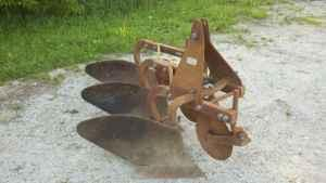 Dearborn 3 bottom plow - $650 (Ames)