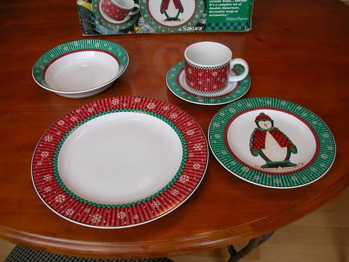 Debbie Mumm Penguins Dinnerware By Sakura Service For 12 & Sakura Dinnerware - Castrophotos