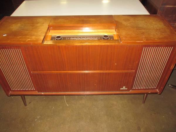 Deeply Hip Grundig Floor Console Stereo - $100