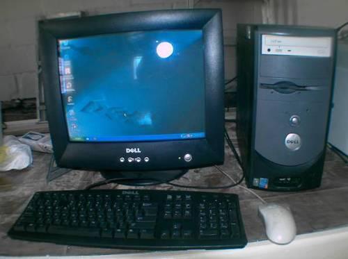 Dell Dimension 2400 computer for sale.