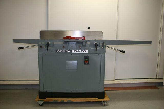 Delta 8-inch Jointer DJ-20 Like New