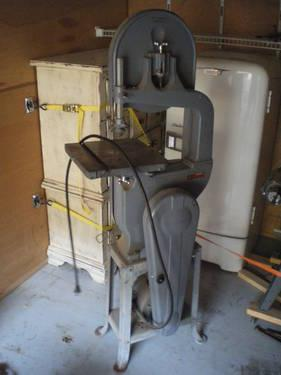 Delta Milwaukee 14 bandsaw, floor model
