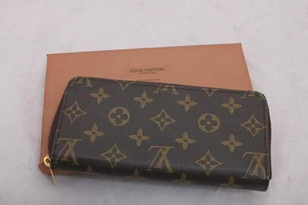 Designer Purses Louis Vuitton, Coach, Dooney Bourke, Prada Style - $20