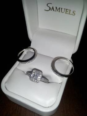 Diamond Engagement ring and Wedding bands set in White Gold