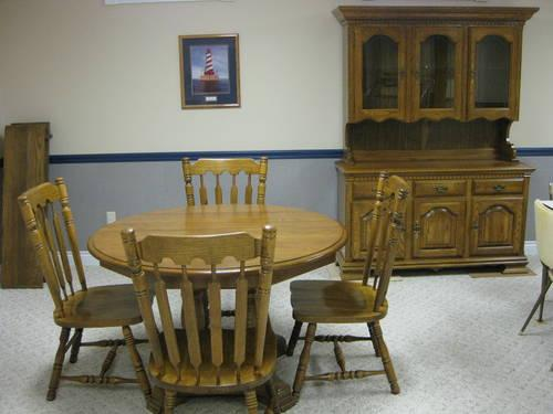 Dining room table 4 chairs hutch solid oak kincaid for for Dining room hutch for sale