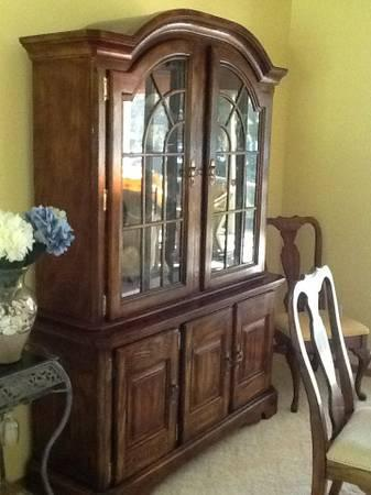 Dining room table,6 chairs and lighted hutch - $800
