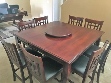 Dining Room Table & 8 Chairs - Pub-Style - inc. Lazy