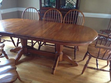 Cochrane Oak Dining Table For In North Carolina Clifieds And Americanlisted