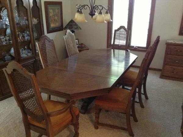 Dining room table and hutch for sale in hastings for Dining room hutch for sale