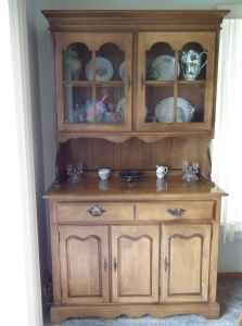 Dining Room Table, Chairs & China Hutch -- Bay Colony