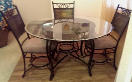 Dining room table glass top w 4 chairs for sale in las for Dining room tables las vegas