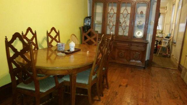Dining Set/ China hutch and additional table in