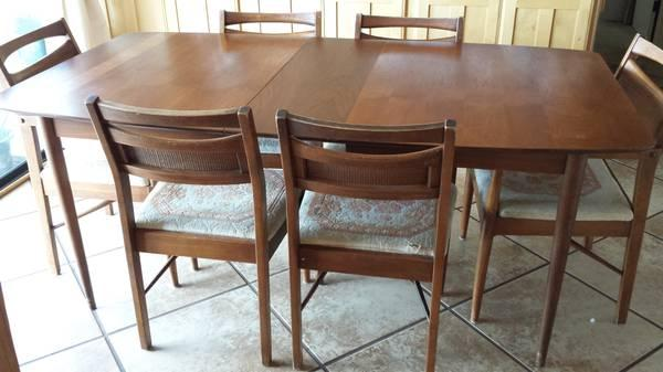 Dining Table And Hutch Chairs For Sale In Havasu City